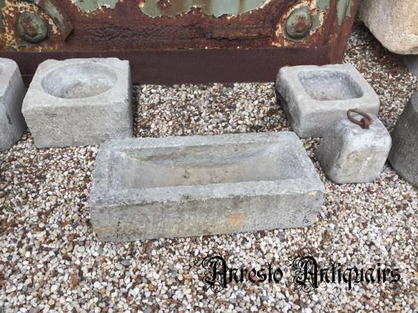 Ref. 51 – Antieke voerbakken, oude voerbakken