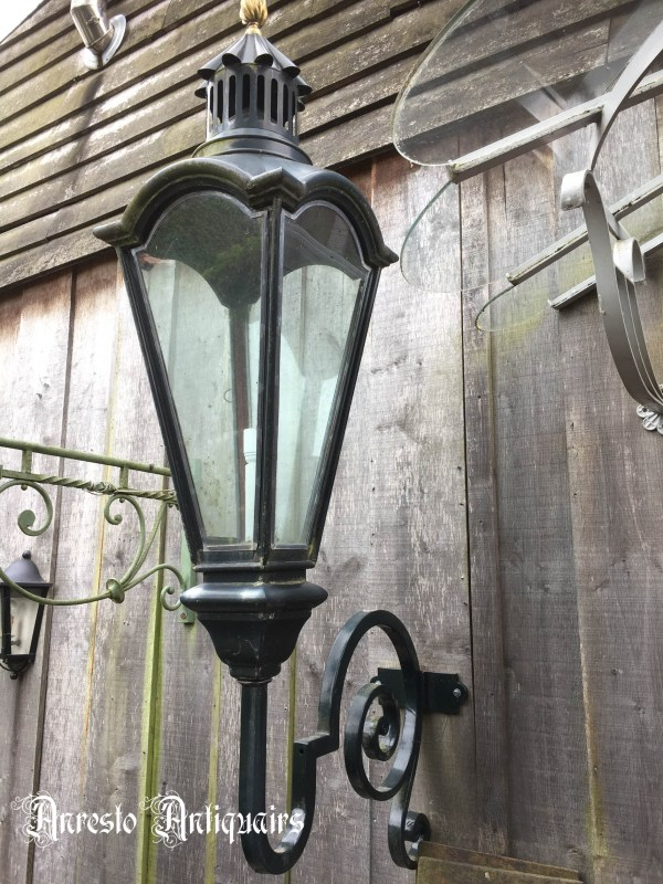 Ref. 47 – Exclusieve Hollandse grachtenpand lamp, Hollandse koperen wandlantaarn