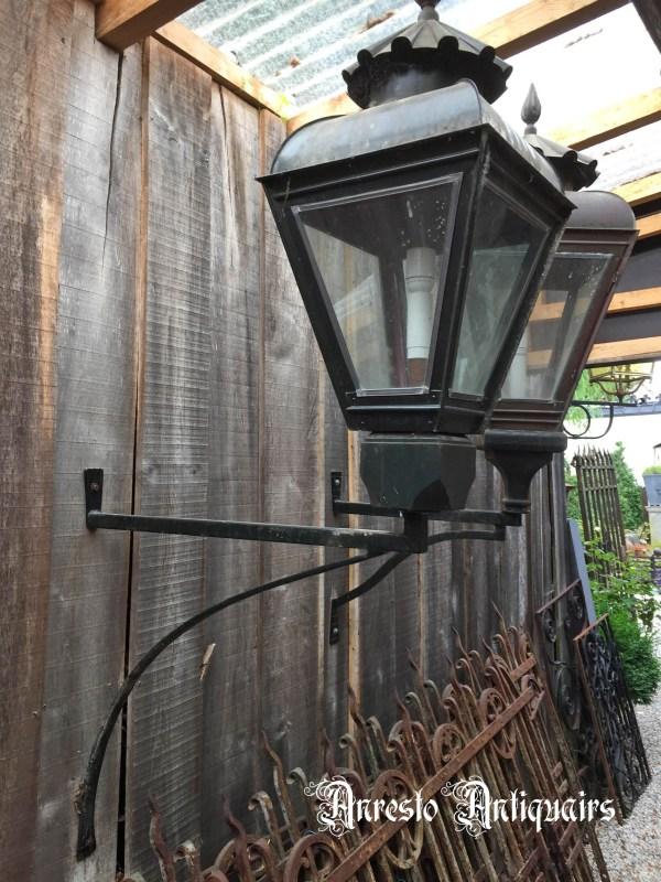 Ref. 49 – Exclusieve Hollandse grachtenpand lampen, Hollandse koperen wandlantaarns foto 1