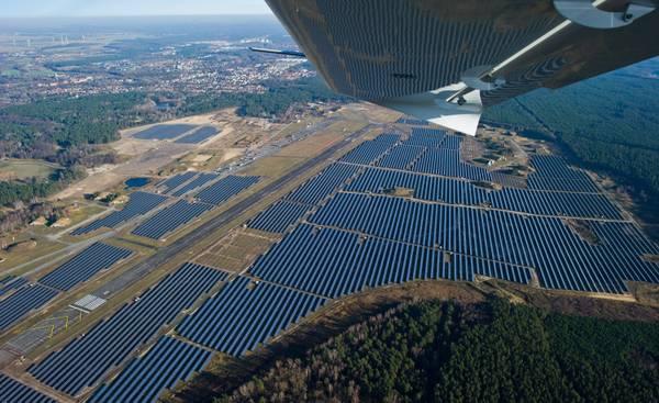 Impianti di energia solare (Archivio)