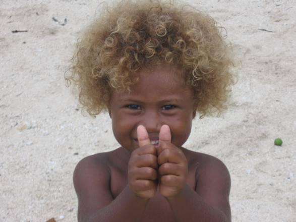 Risultati immagini per immagini capelli biondi australia aborigeni