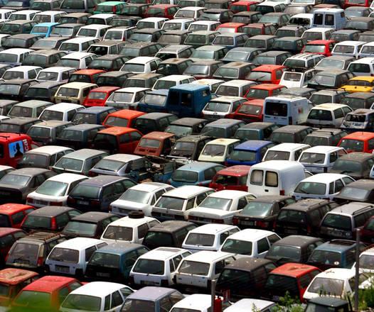 A.A.A. vendesi veicoli sequestrati da oltre 2 anni