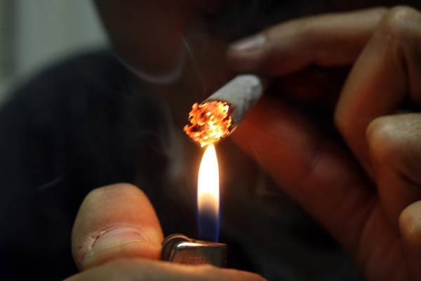 cresce consumo cannabis tra adolescenti