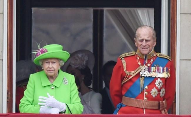 Il Principe Filippo Si Ritira La Regina Va Avanti I