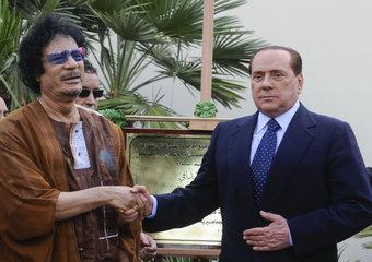 Silvio Berlusconi e Muammar Gheddafi
