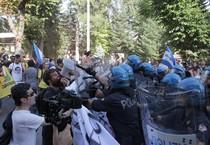 Proteste all'Aquila, annullata prima tappa Renzi (ANSA)