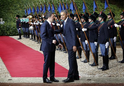 Barack Obama con Matteo Renzi (ANSA)