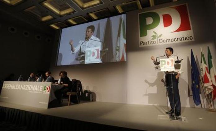 Renzi durante il suo intervento all'assemblea nazionale del Pd a Roma ANSA/GIUSEPPE LAMI © ANSA