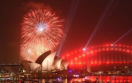 Festa di fuochi d'artificio sulla baia di Sydney © EPA