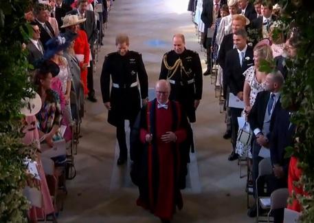 Lo sposo Harry accompagnato dal fratello William durante le nozze a Windsor © Ansa
