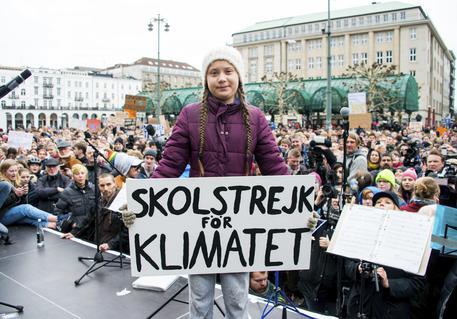 Studenti in corteo ad Amburgo, c'e' anche Greta. 'Sciopero per il clima' © AP