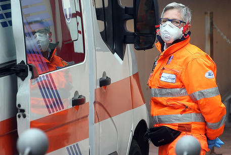 Coronavirus cases up by over 2,000, deaths in Italy reach 827 ...