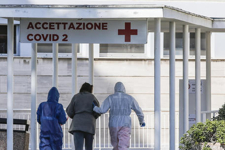 Coronavirus: Deaths in Italy up by 349 to 2,158 - English - ANSA.it