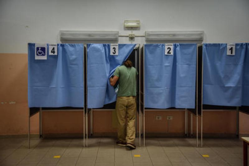 Elezioni Puglia: sottratta pistola ad un finanziere in un seggio di Foggia