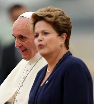 Gmg: aereo Papa atterrato a Rio de Janeiro