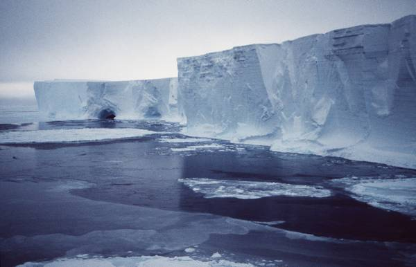 Presto in Antartide un iceberg grande come New York