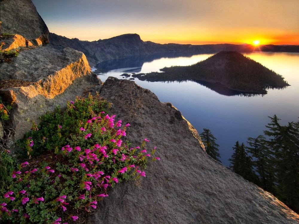 Photograph of Crater Lake by Dennis Frates