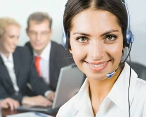 Live telephone answering service improves customer service
