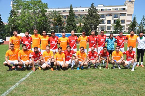 53061325ddFederal Almanya Cumhuriyeti Antalya Konsolosluğu FC Adler takımı ve Sunexpres Takımı (Copy)