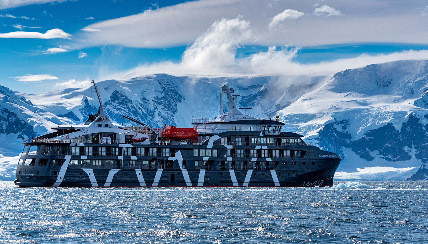 Manfredi Gioacchini travels in Antarctica with Antarctica21