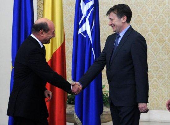 """Sinteza zilei: Cum s-au """"reevaluat"""" Băsescu şi Antonescu - DECLARAŢII-CHEIE 482"""
