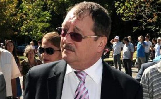 DNA Bucureşti anchetează acuzaţiile de trafic de influenţă în cazul Mircea Băsescu 418
