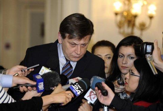 """Antonescu răspunde acuzaţiilor de minciună: """"Am discutat cu Verhofstadt ca lider de partid, nu ca soţ"""" 482"""