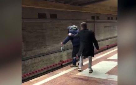 Image result for Imagini șocante în stația de metrou Piața Sudului! Un student a salvat un bărbat care voia să se sinucidă