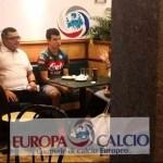 Con playera del Napoli, 'Chucky' pasa exámenes médicos