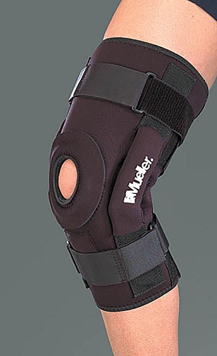 Mueller B5333 Hinged Knee Brace Deluxe  A73480