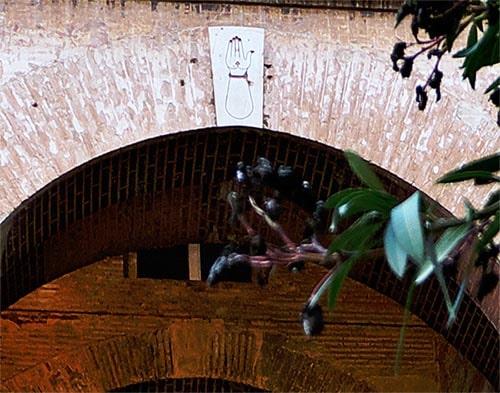 Mano de Fátima Hamsa en La Alhambra