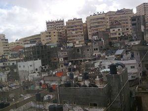 Shuafat, vorne Teile des alten Flüchtlingslagers, hinten die Neubauten