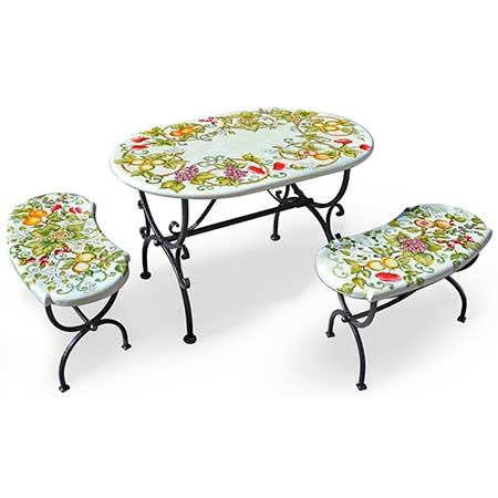 Collezioni esclusive in tiratura limitata e numerata di tavoli in maiolica decorati a mano da maestri ceramisti di deruta. Tavoli In Pietra Lavica Decorati Antica Deruta