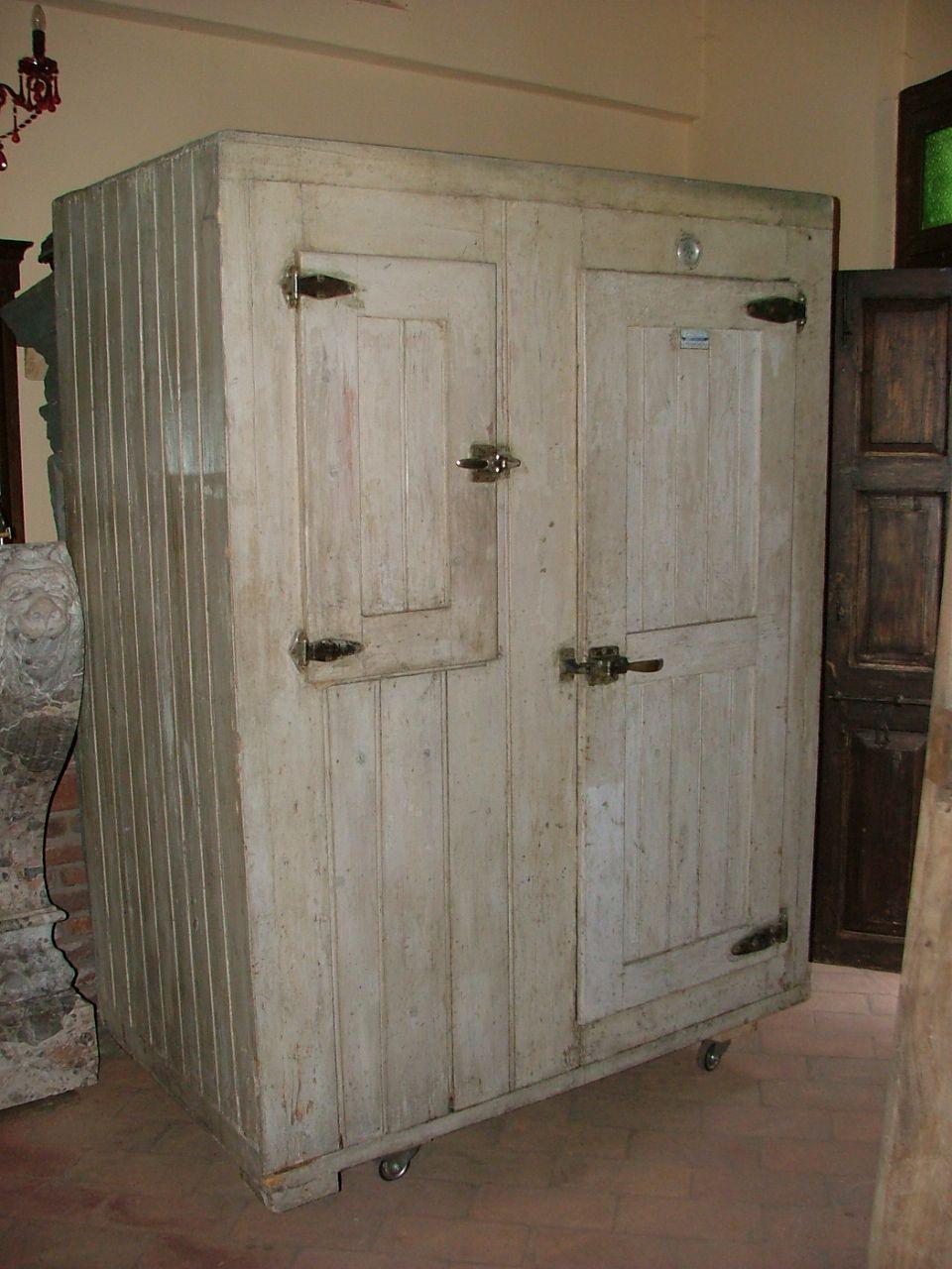 vecchio frigoghiacciaia in legno epoca 900Antiquariato