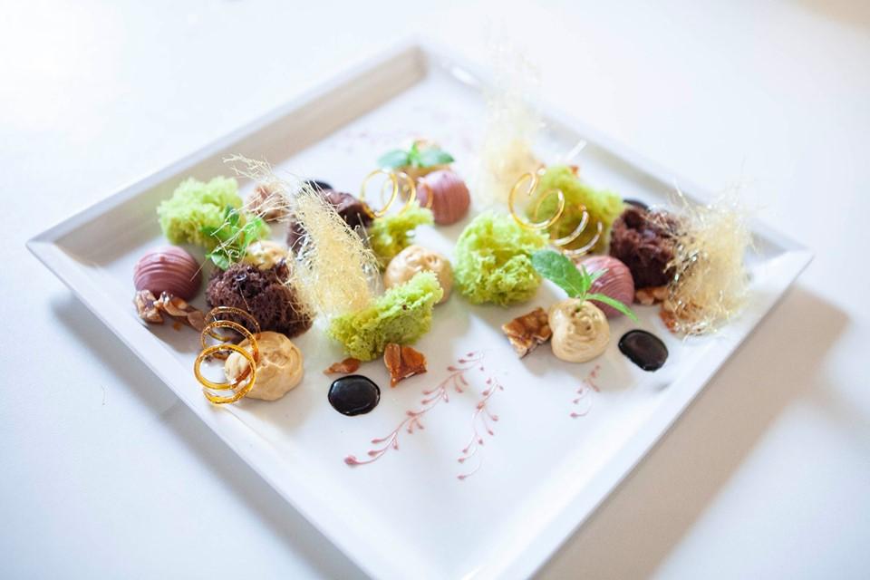 Cena gourmet - Prenota il tuo soggiorno romantico con menù ...