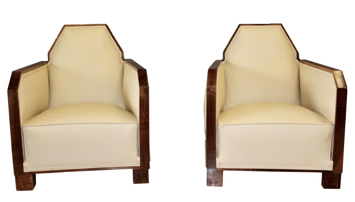 paire de fauteuils art deco en cuir et noyer