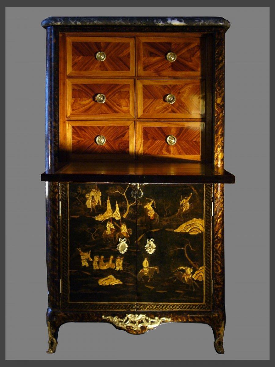 Secrtaire En Laque De Chine Dpoque Louis XV Estampill