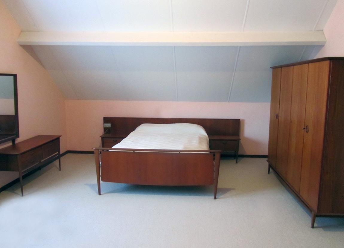 Vintage slaapkamer kast nachtkastjes Louis van Teeffelen