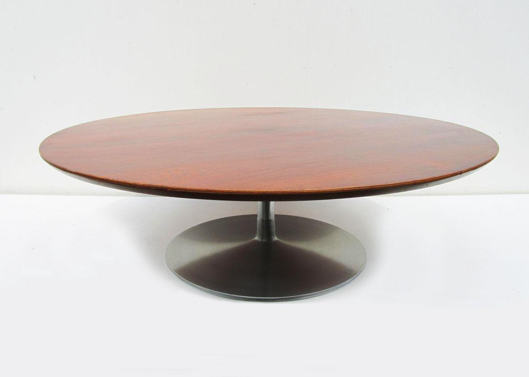 Vintage salontafel tafel ontworpen door Pierre Paulin