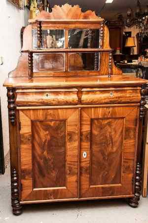 Antikke møbler (40)