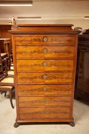 Antikke møbler (50)