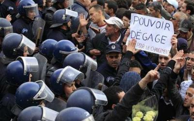 """Argelia: """"Una huida hacia delante represiva sin precedentes desde 2001"""""""