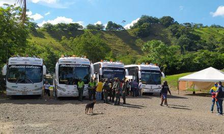 Migrantes venezolanos regresan a su país