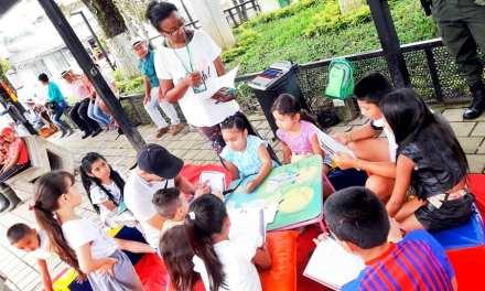 Briceño prioriza educación por cartillas sobre virtualidad