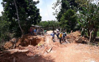 En unión con la comunidad se están arreglando las vías en Yalí