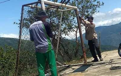 Mantenimiento de los escenarios deportivos en Uramita