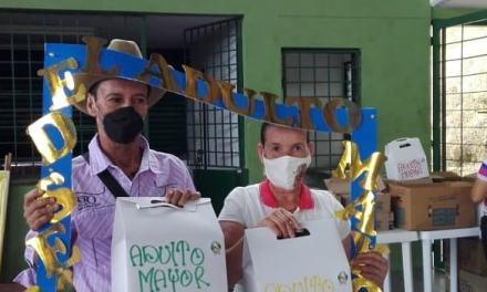 Valdivia sigue conmemorando los adultos mayores