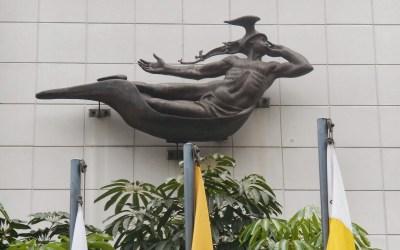 Conmemoración al artista que convirtió la historia en concreto y bronce