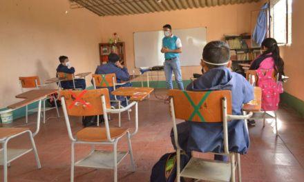 Los colegios de Medellín inician su año escolar en alternancia
