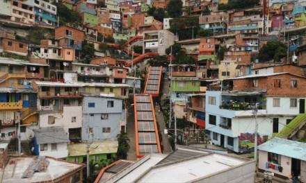 La transformación de la comuna13 inspira a México